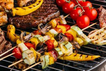 Katero meso lahko najbolj oplemeniti žar peka?